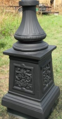Victorian Single Light Lamp Post On Urn Base