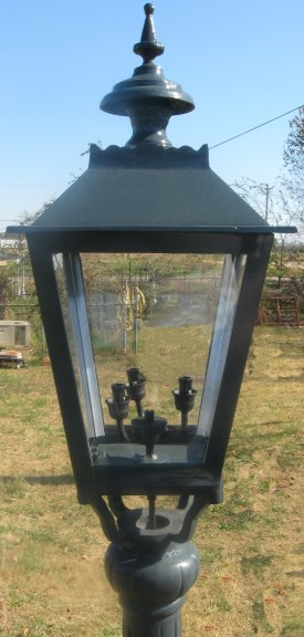 Traditional Urn Base Victorian Street Lamp With Berlin Lantern